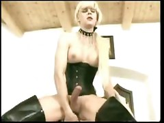Beautiful Tranny Blond Shemale